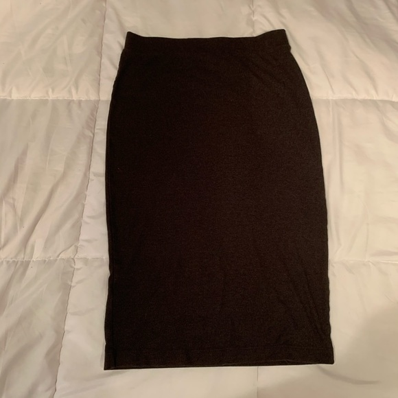 Divided Dresses & Skirts - Grey Ribbed Pencil Skirt | Size Large